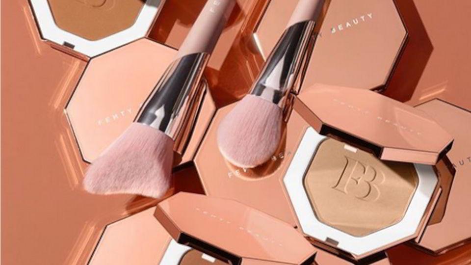 Fenty Beauty Bronzers en novedades en bronceadores, coloretes e iluminadores en Abril