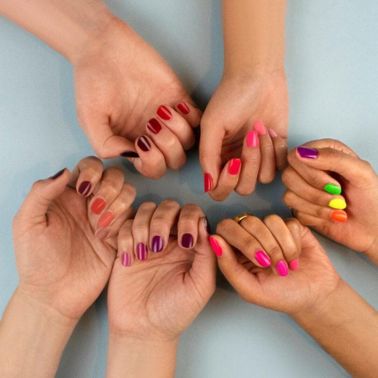 Pinta uñas de Revolution Swatches
