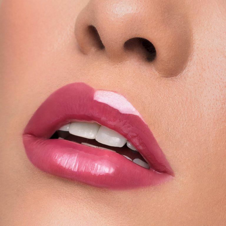 Artist Couture Plush Pout Lipglosses Posh Lip Swatch