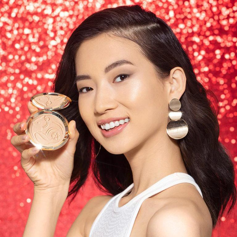Becca Cosmetics Year Of The Rat Shimmering Skin Perfector™ Pressed Highlighter in Moonstone Model