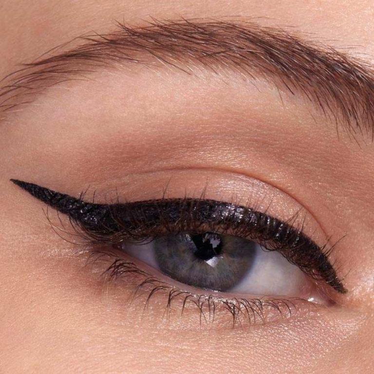 Maybelline New York Eyestudio Hyper Easy Liquid Eyeliner Eye Swatch