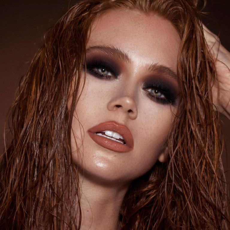 Violet Voss Matte Vibes Eyeshadow Palette Model