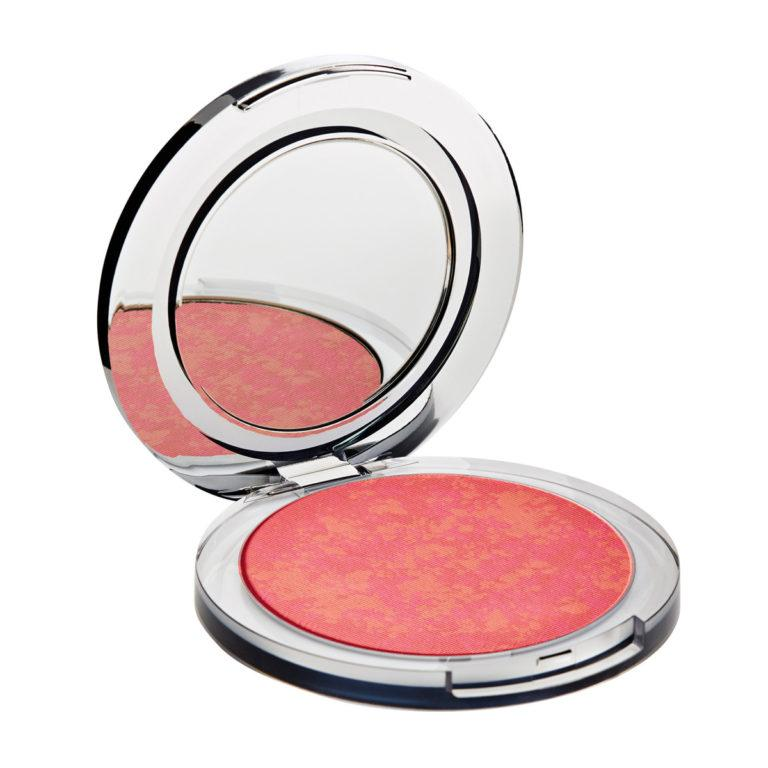 Blushing Act Skin Perfecting Powder in Pretty in Peach (light)