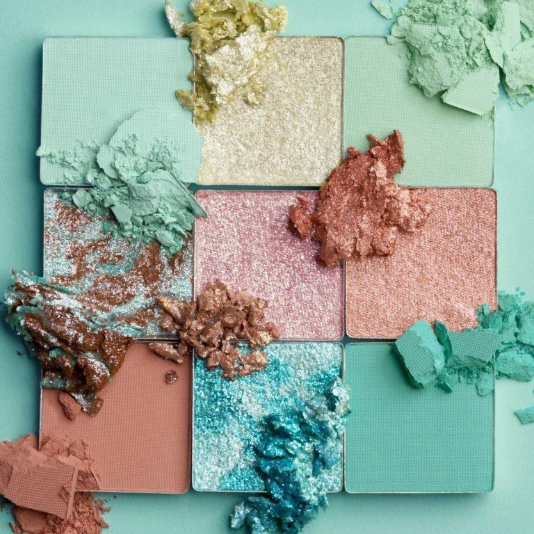 Huda Beauty Pastels Mint Palette Crash Swatches