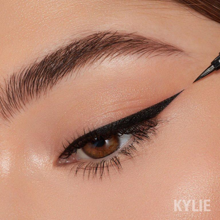 Kylie Cosmetics January 2020 New Drops Kyliner in Black Swatch