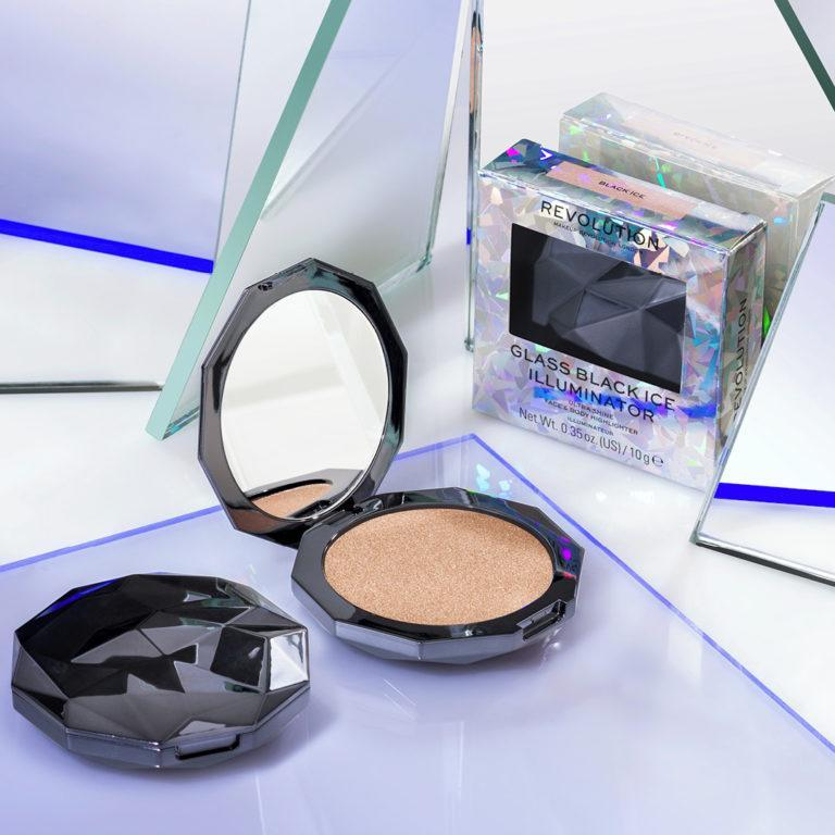 Makeup Revolution Glass Skin Collection Glass Black Ice Illuminator Ultra Shine Highlighter