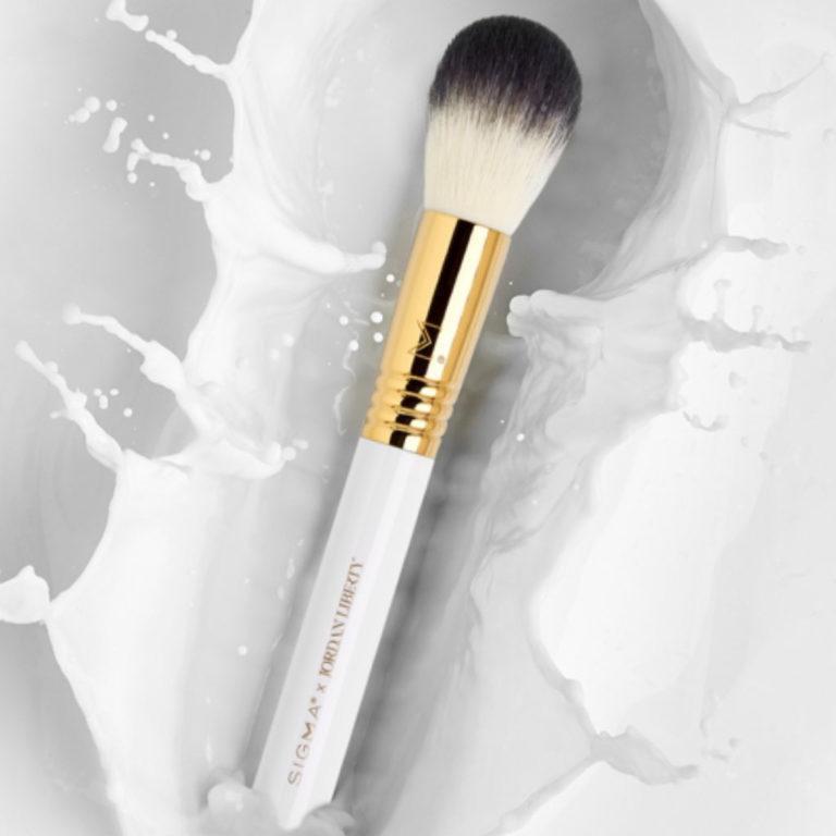 Sigma x Jordan Liberty Makeup Brush 3