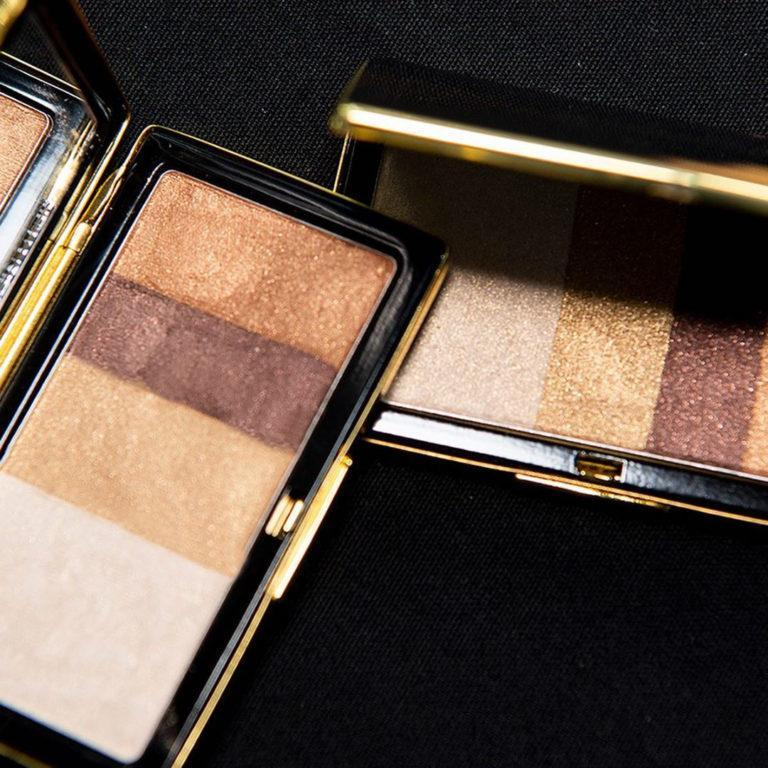 Victoria Beckham Beauty Smoky Eye Brick, Satin Shine finish in Silk Sneak Peek
