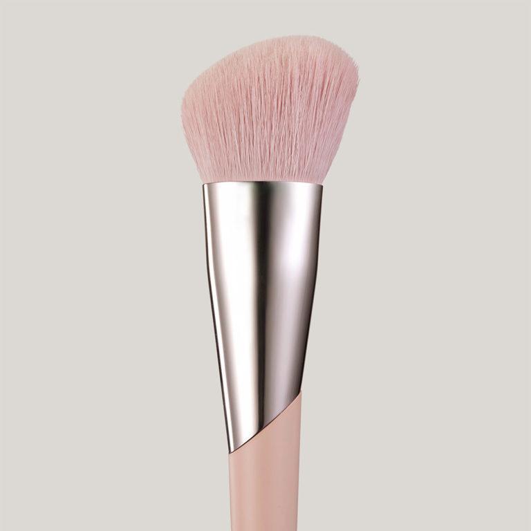 Fenty Beauty Face Shaping Brush 125 Closer