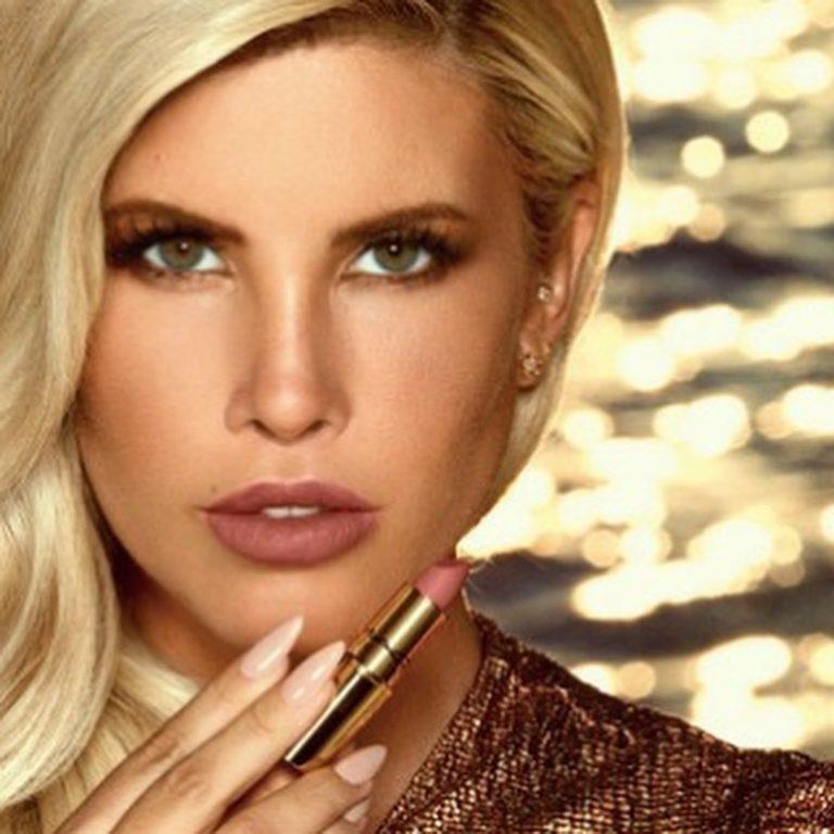 MAC Cosmetics Chile x Cote López Cote With Lipstick Alt