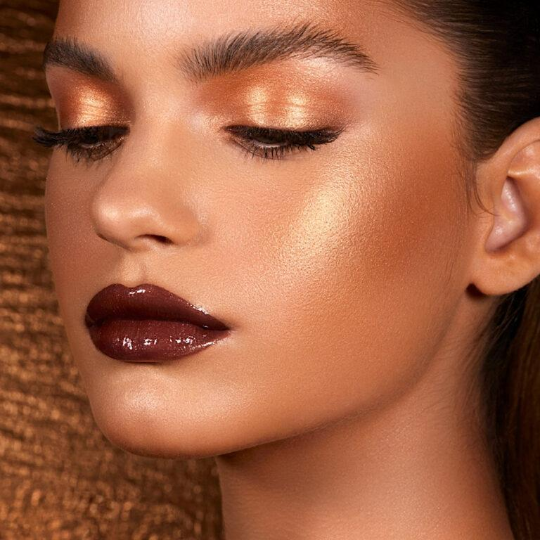 Natasha Denona Bronze Cheek Palette Model 1