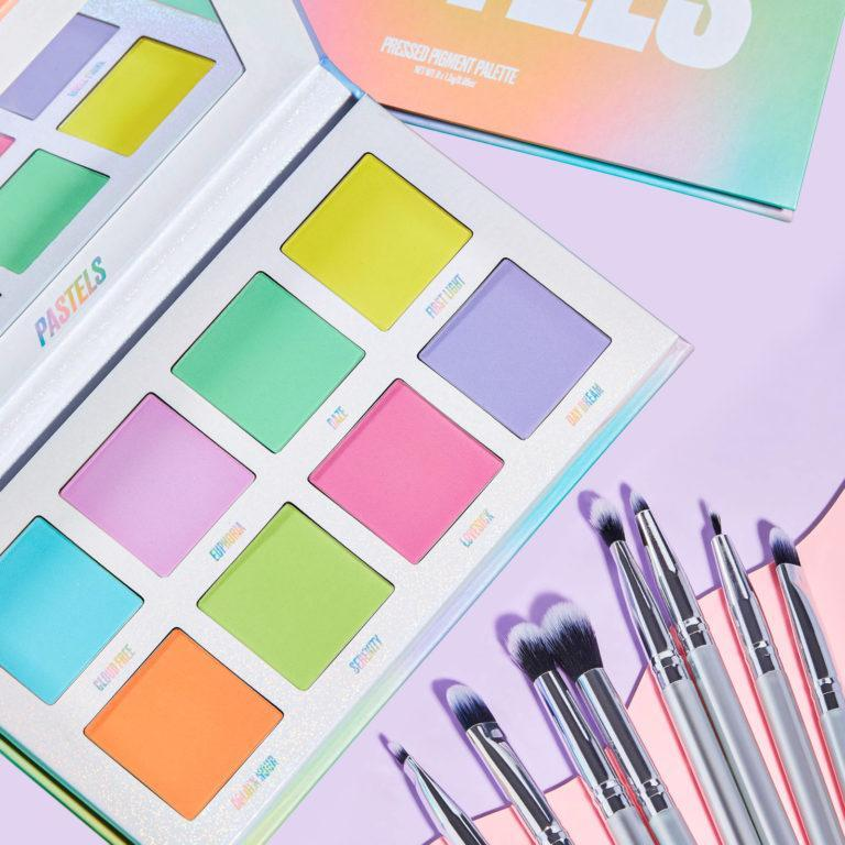 The Pastels Palette & Brush Set Post Cover