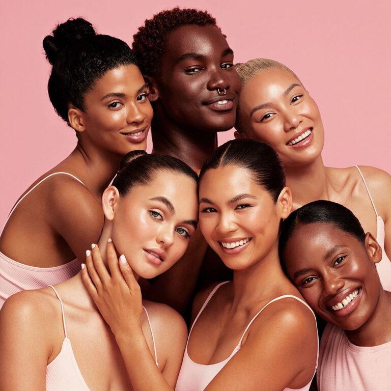 Kylie Cosmetics Bronzer Sticks Models