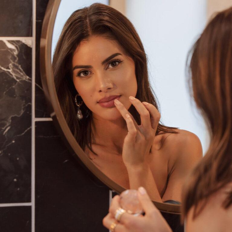 Elaluz 24K Lip Therapy Camila