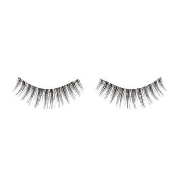 I Heart Revolution Disney Collection Disney Storybook Lashes Belle Open