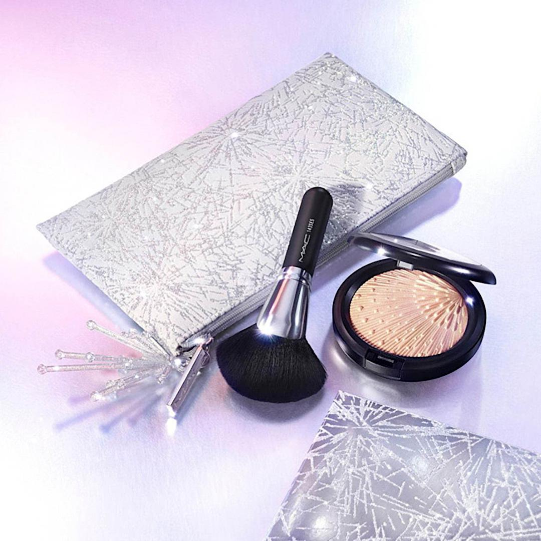 MAC Cosmetics Christmas 2020 Frosted Fireworks Collection Firelit Kit Gold With Silver Bag