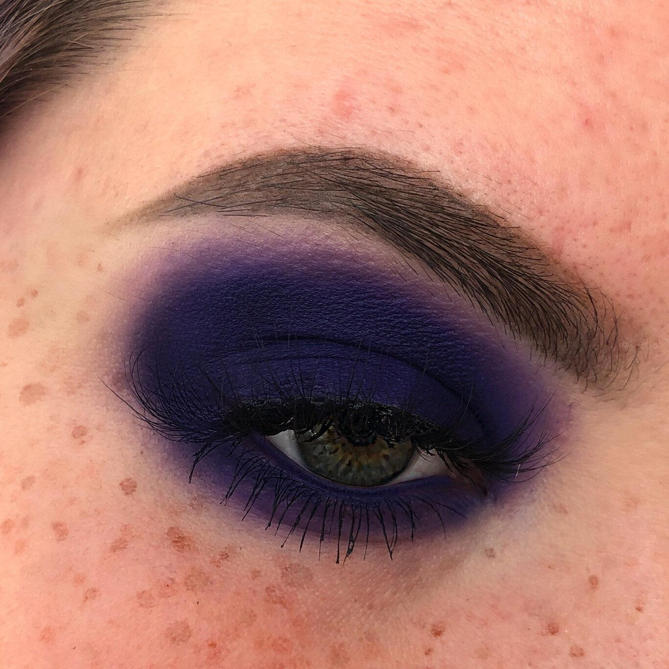 Wicked Palette By Unicorn Cosmetics Model Eye Using Jinx Eyeshadow
