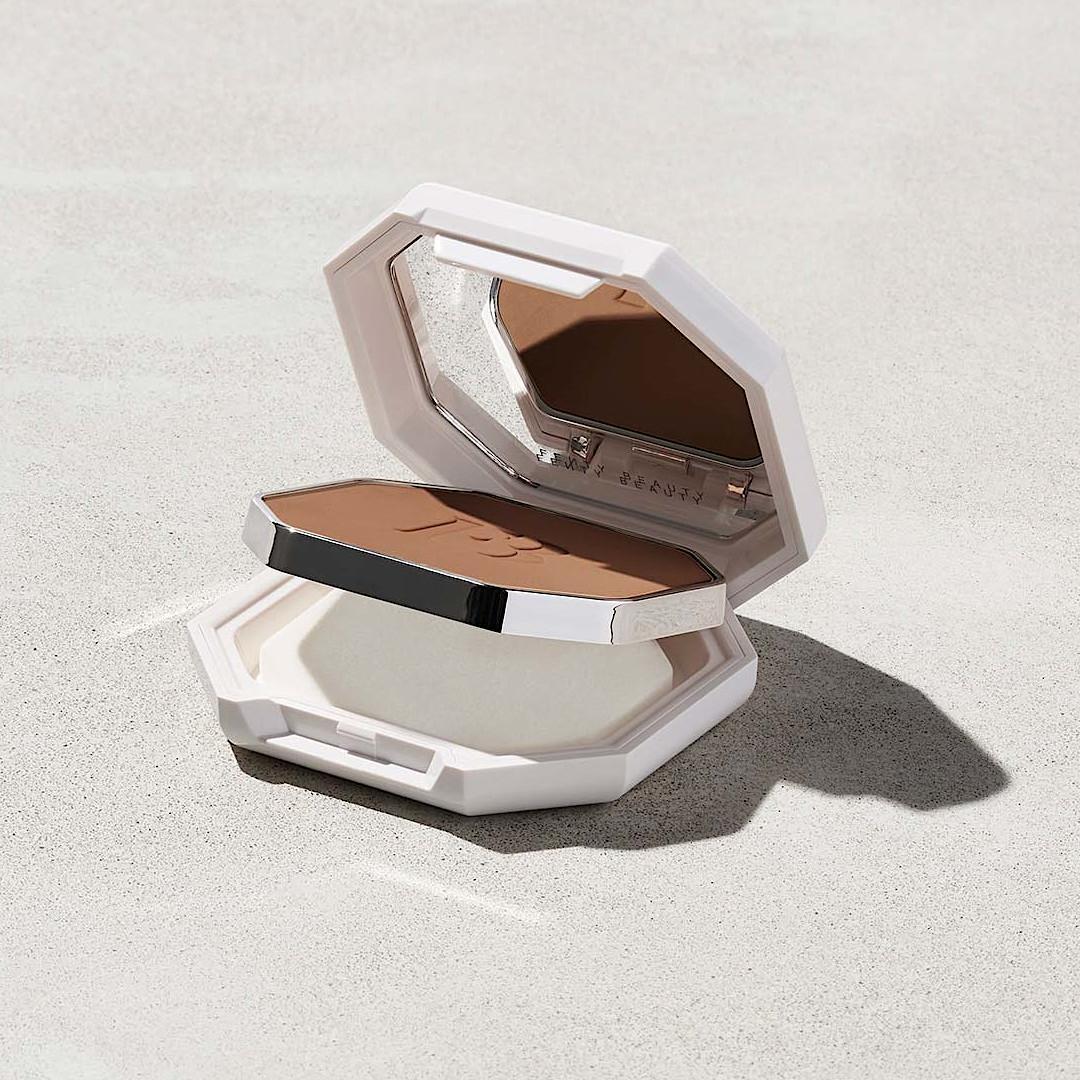 Fenty Beuty Pro Filt'r Soft Matte Powder Foundation Product Full Open