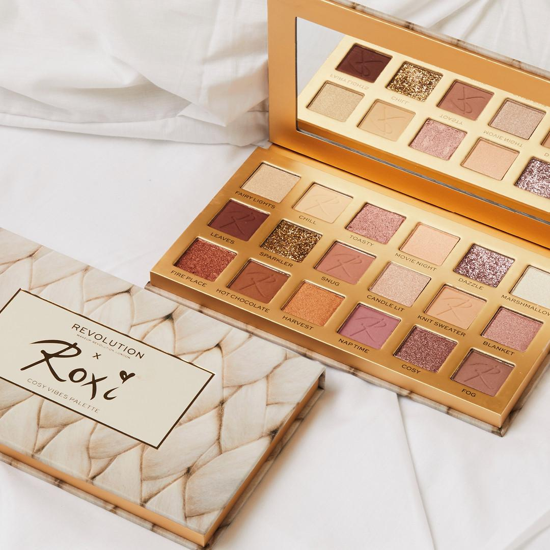 Makeup Revolution X Roxi Cosy Vibes Eyeshadow Palette Open & Closed Promo