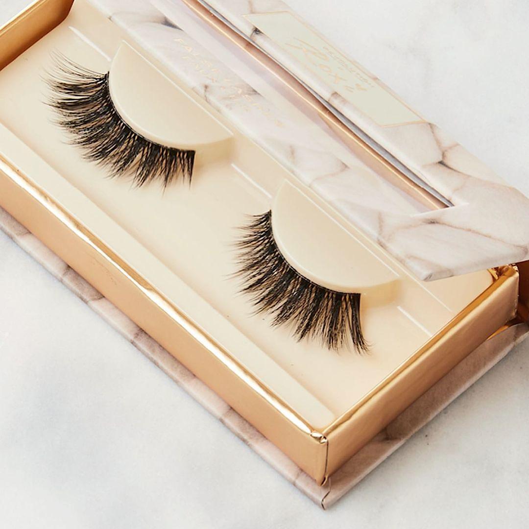Makeup Revolution X Roxi Flutter Eye Lashes Promo