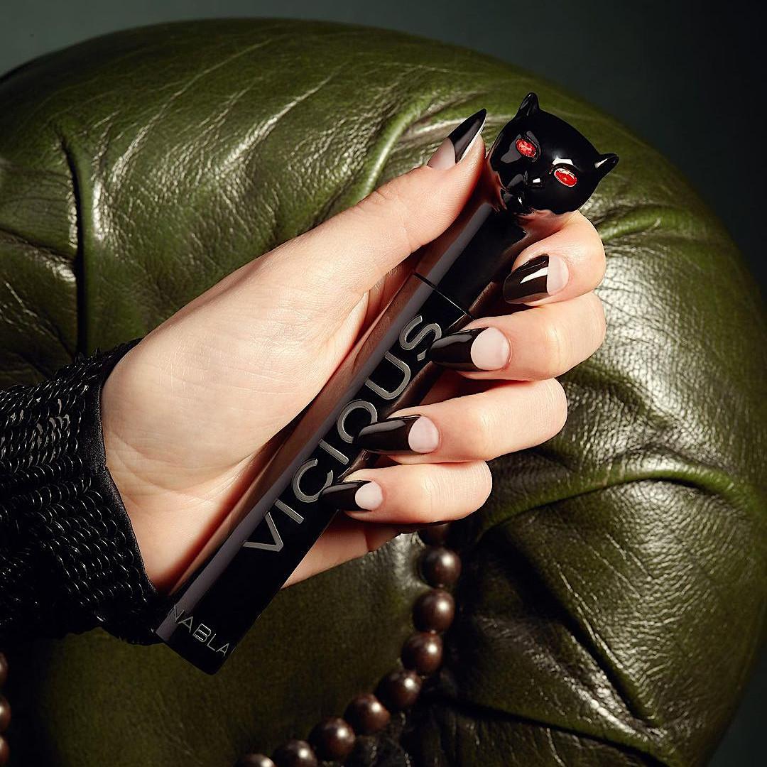 Nabla Cosmetics Vicious Mascara Promo Couch