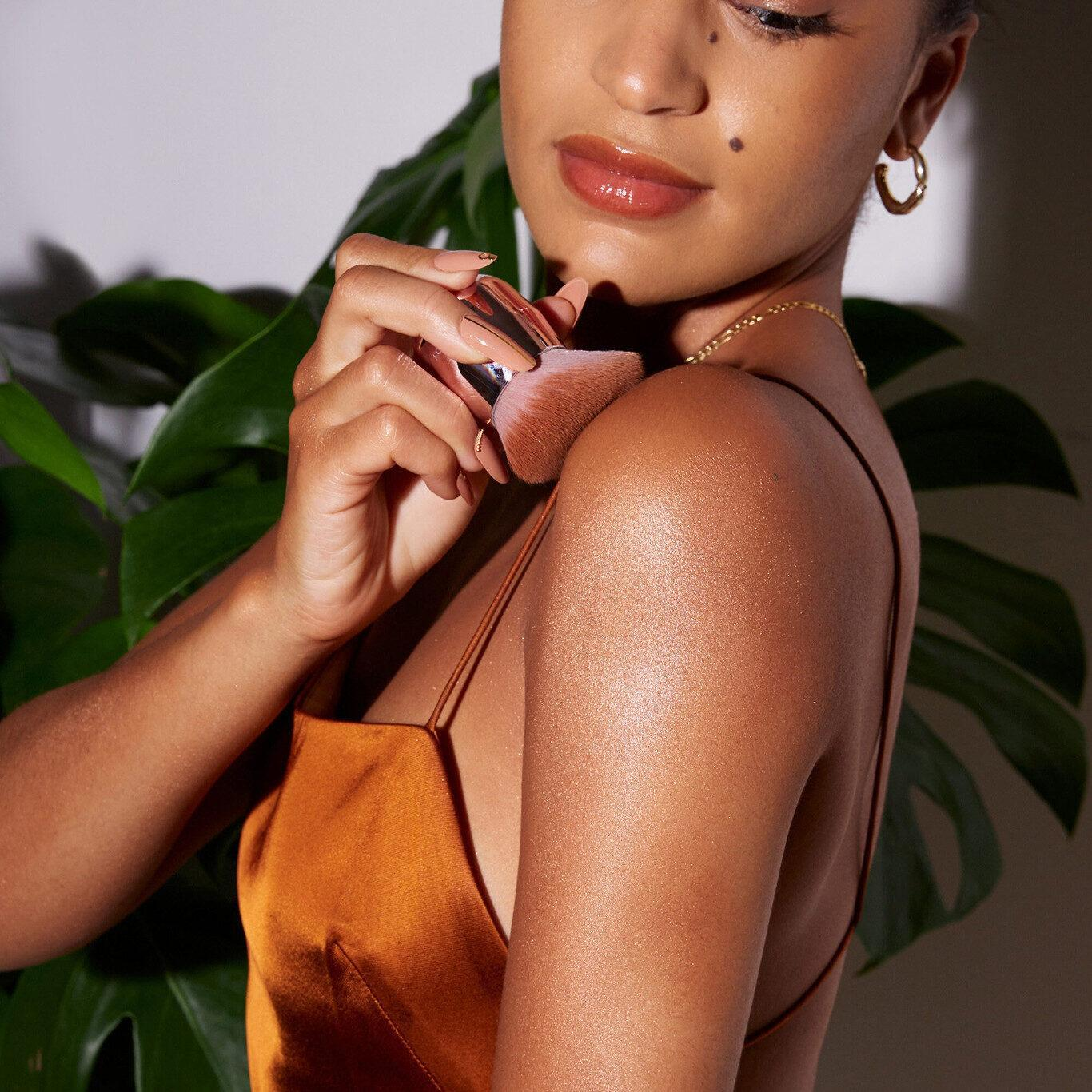 Fenty Beauty Body Sauce Body Luminizing Tint Model Promo Medium