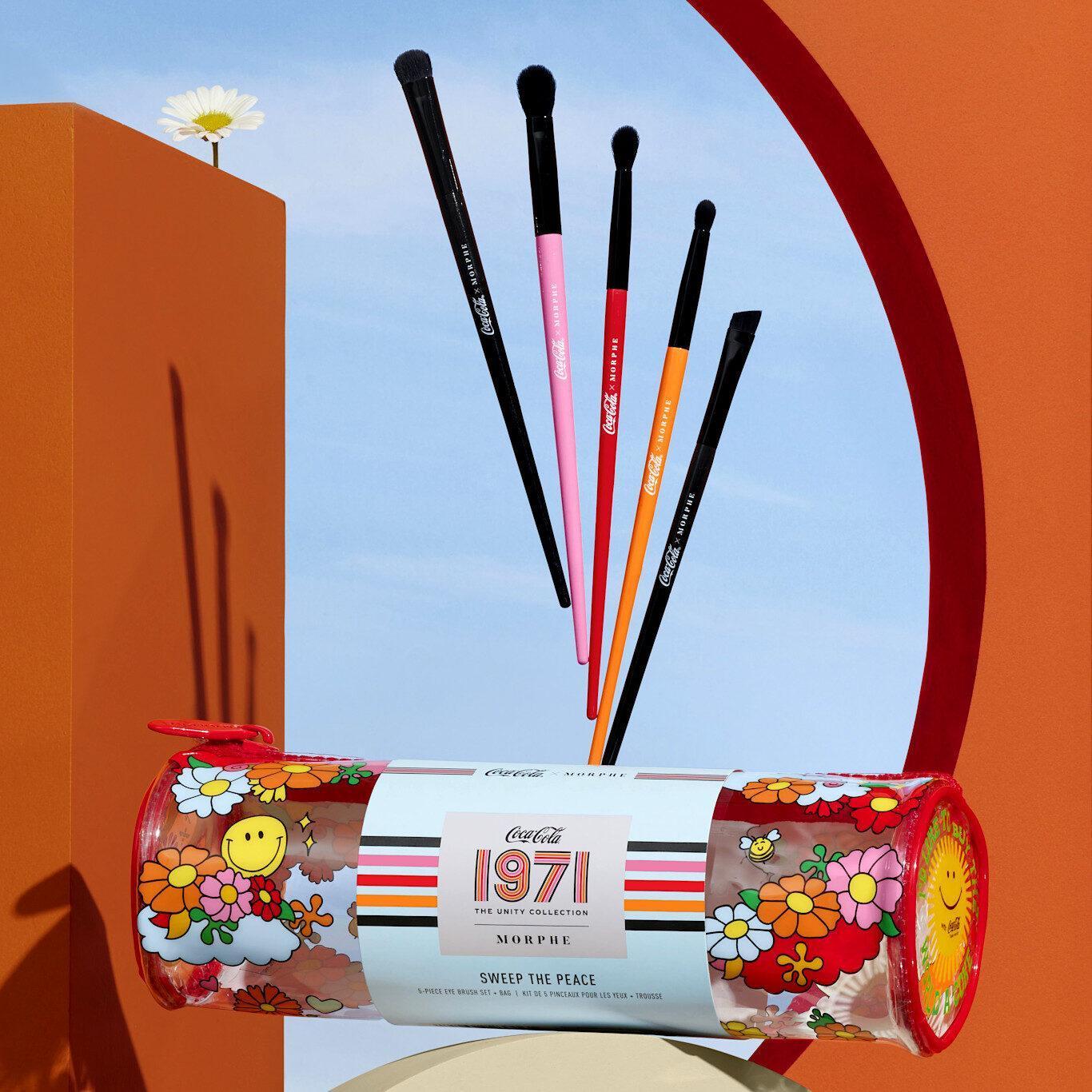 Morphe x Coca Cola 1971 Unity Collection Sweep The Peace 5 Piece Brush Set & Bag Promo