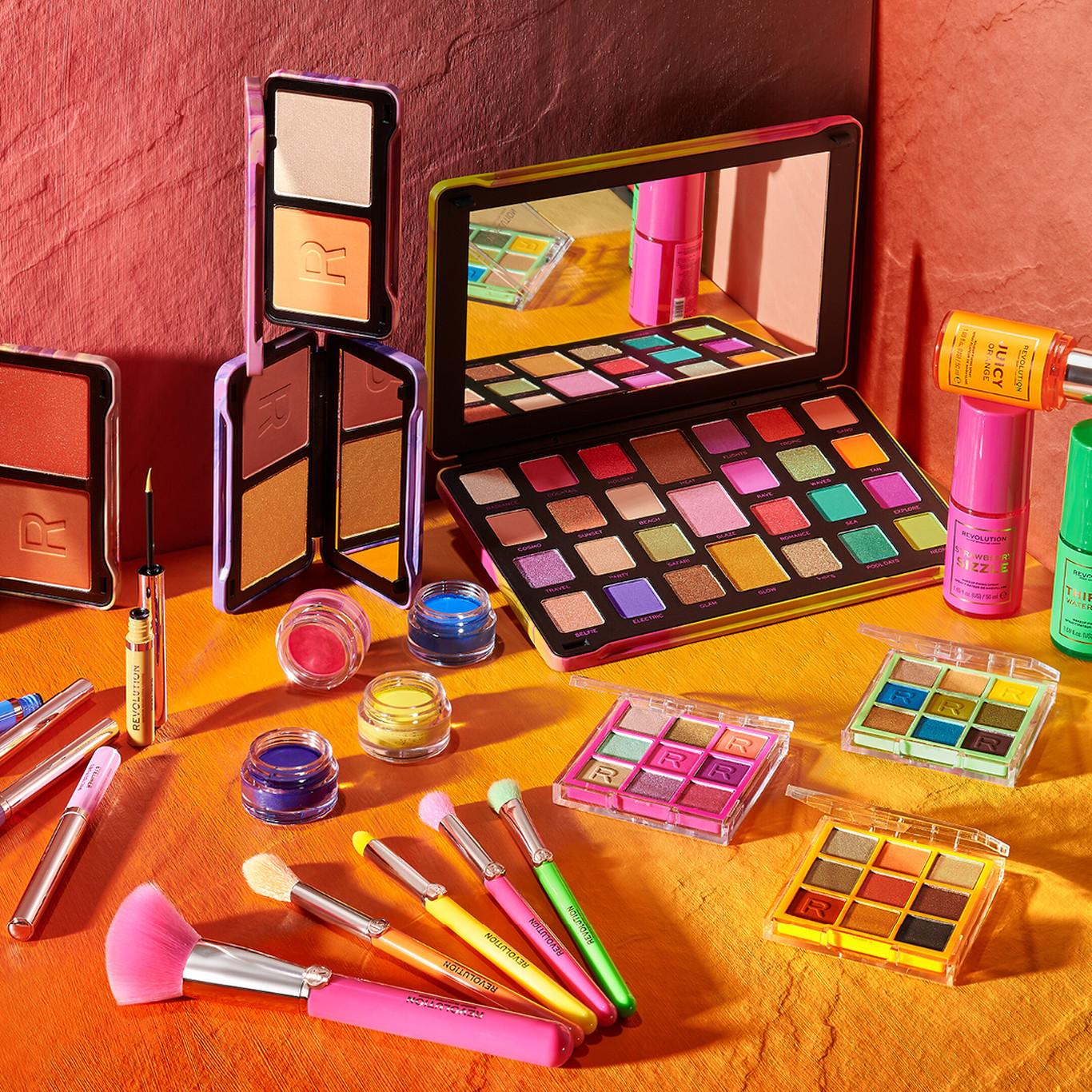 Makeup Revolution Neon Heat Collection Promo Post Cover