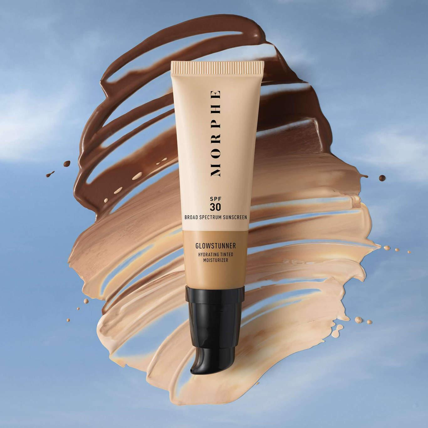 Morphe Glowstunner Hydrating Tinted Moisturizer With Smudge