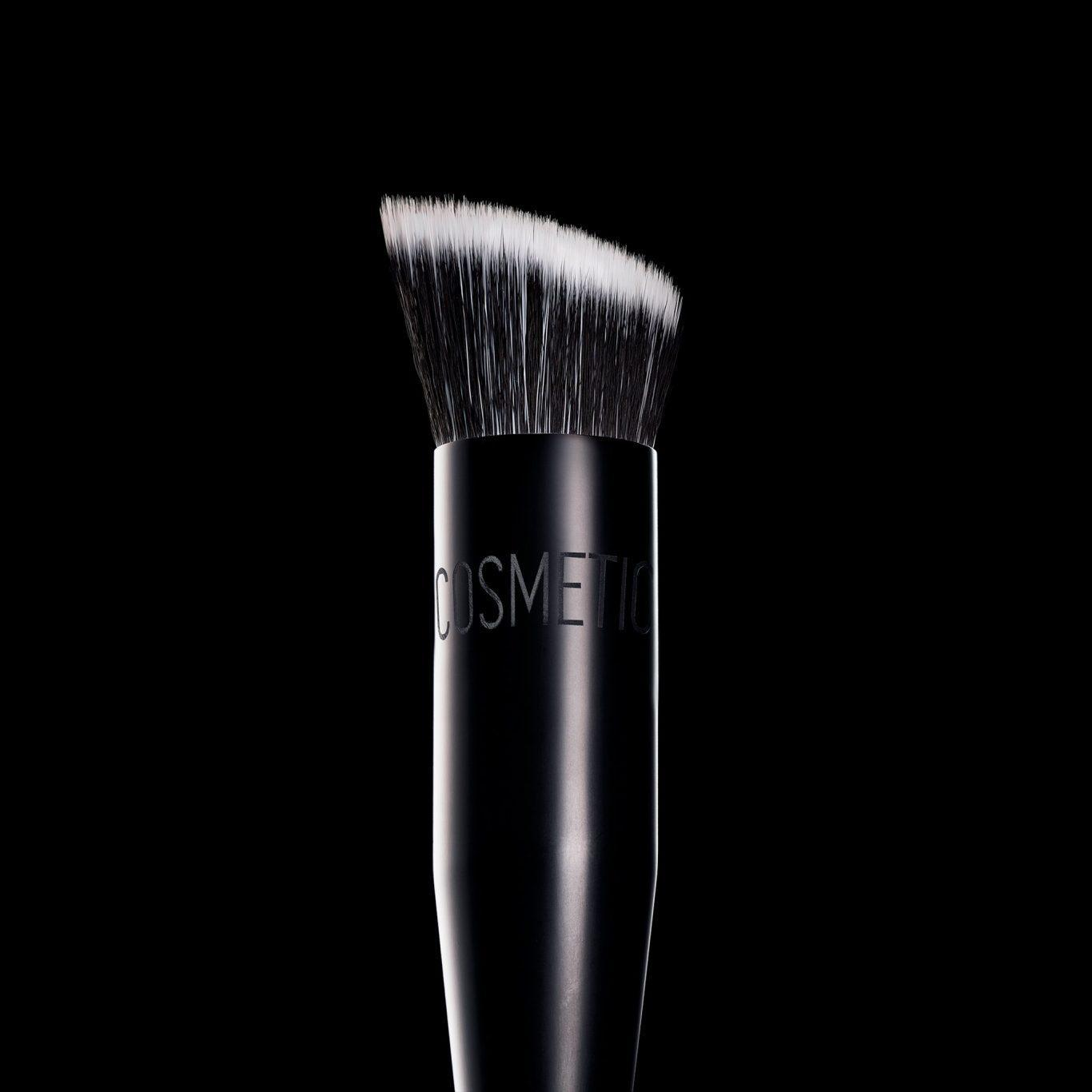 Melt Cosmetics SexFoil Digital Liquid Highlights 777 Face Brush Promo