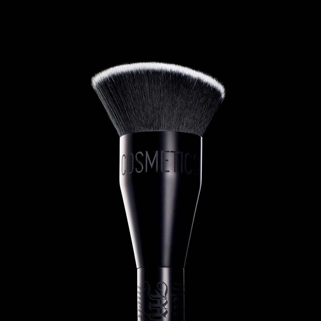 Melt Cosmetics SexFoil Digital Liquid Highlights 900 Face & Body Brush Promo