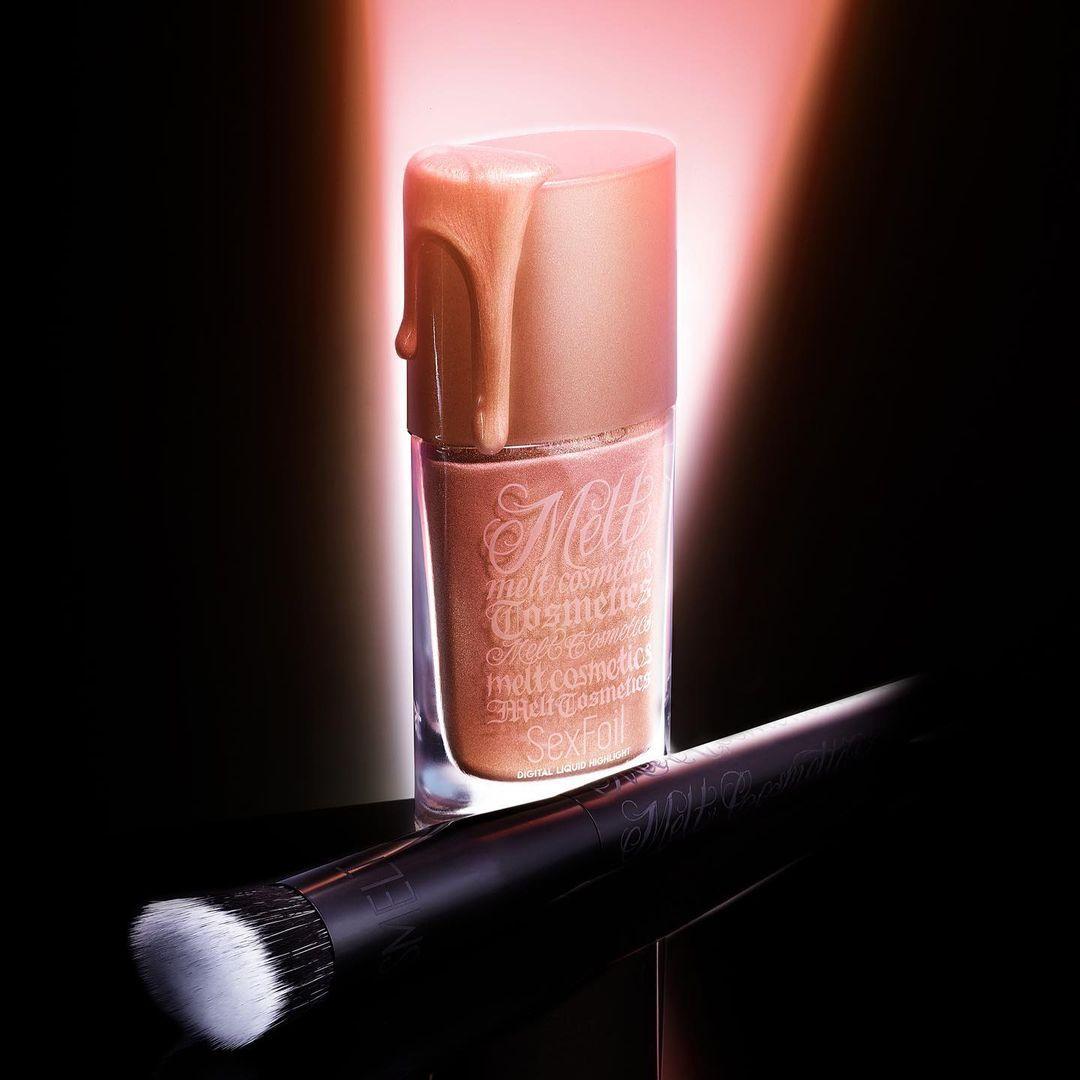Melt Cosmetics SexFoil Digital Liquid Highlights Highlighter & Brush Promo